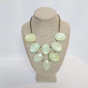 💥3 for $25💥 Light Green Statement Necklace